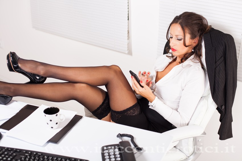 Manager donna castigata: racconto erotico