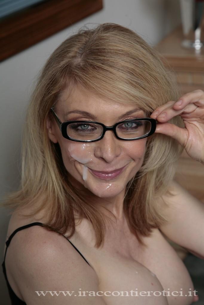 racconto erotico: Milfona con sborra sulla faccia