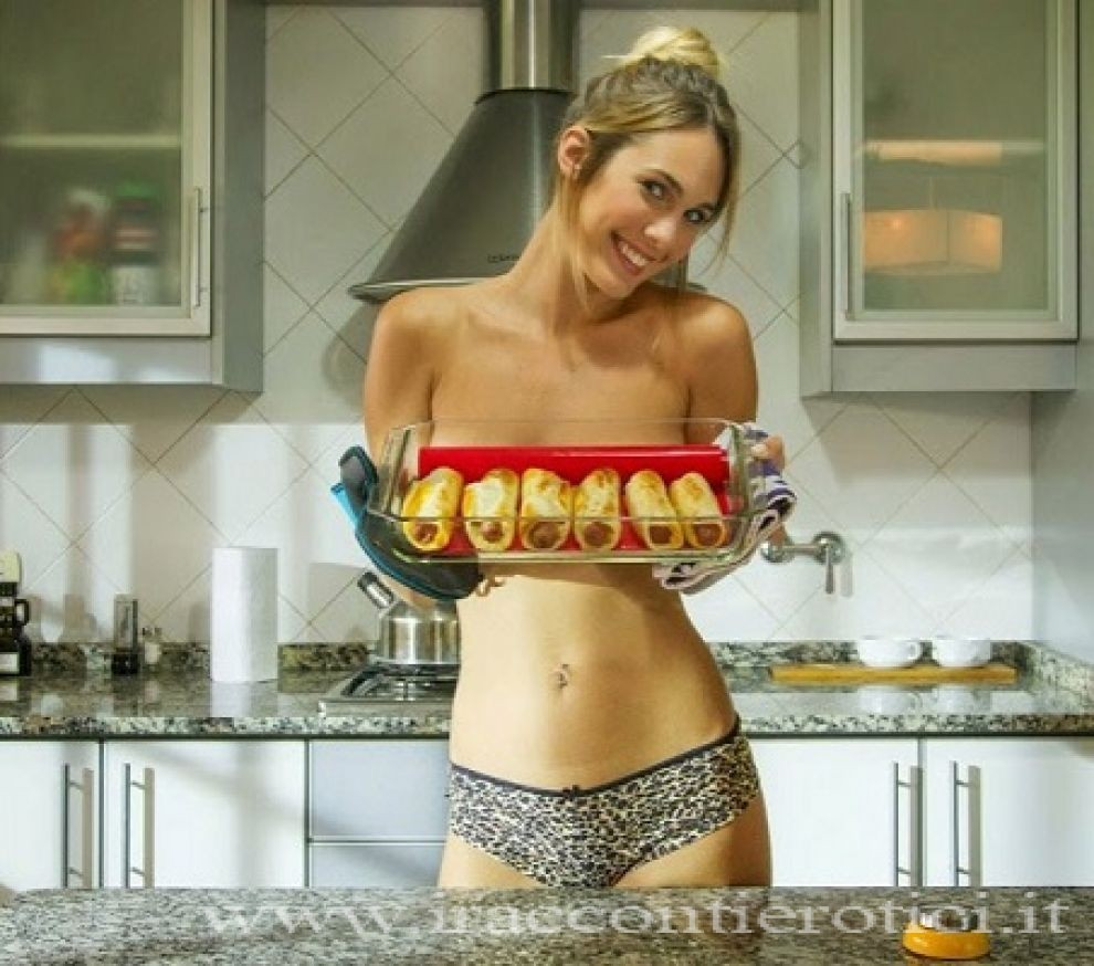 A fuego maximo jenn does nude cooking 10